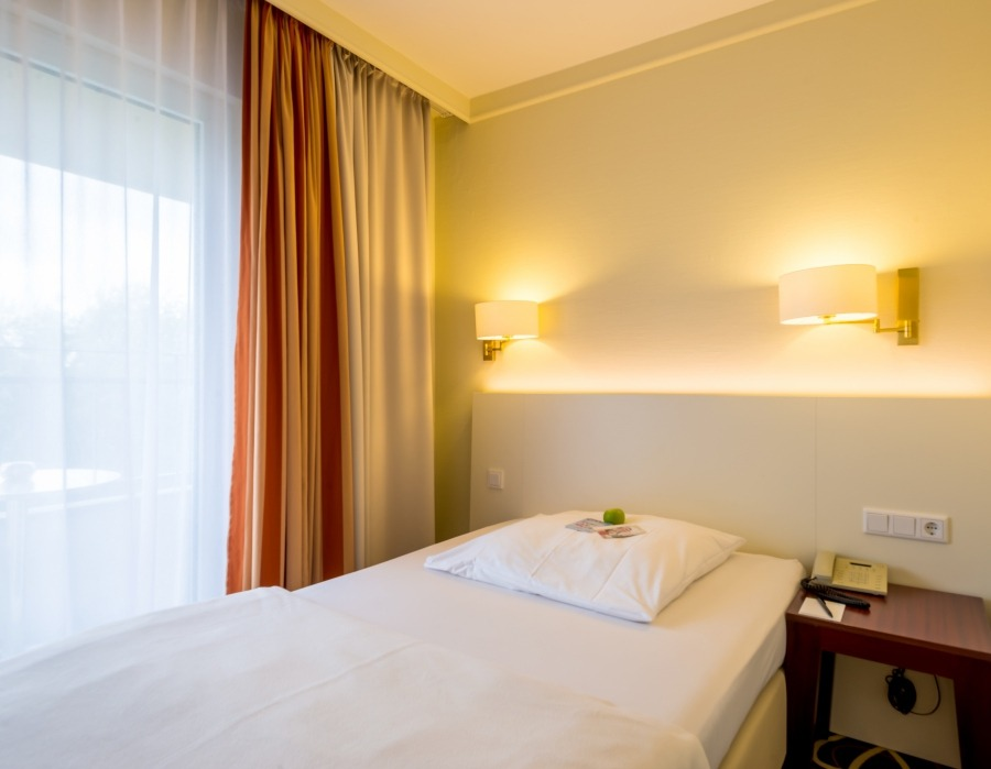 Cancellation Of Hotel Room During Night